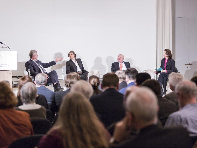 Livestream beim MCIR in München: Digitalisierung und Zukunft der Arbeit