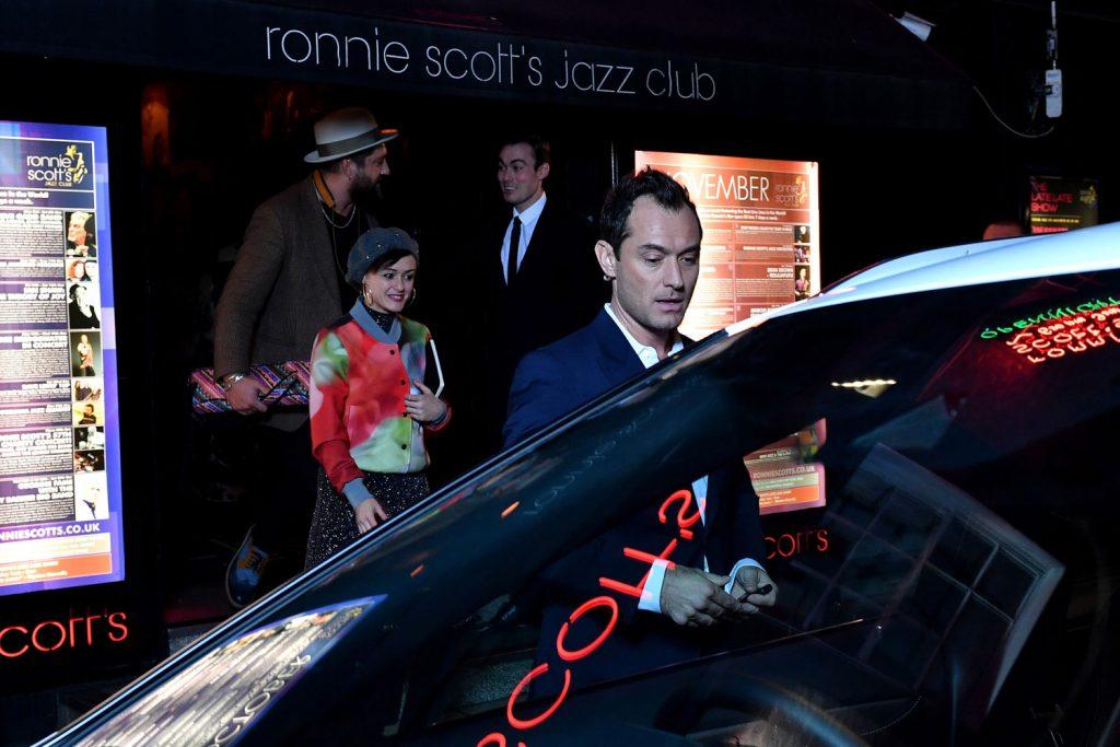 Jude Law im Livestream von Lexus.